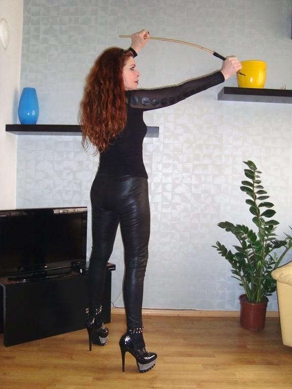 porno-fem-dom-strapon